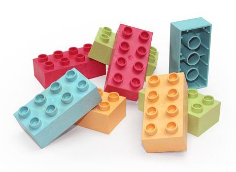 Farbige Spielsteine aus dem Biokunststoff JELUPLAST®
